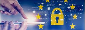 L'immagine rappresenta una persona che utilizza uno smartphone ed un lucchetto con intorno le stelle degli Stati aderenti alla UE